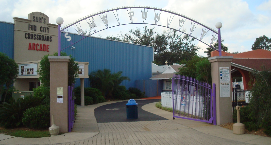 Sams Fun City Front Gate